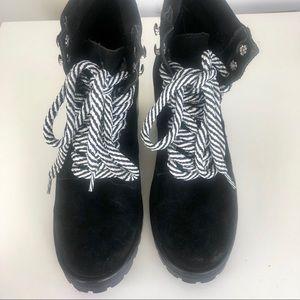 Steve Madden Genny  black boots suede size 8